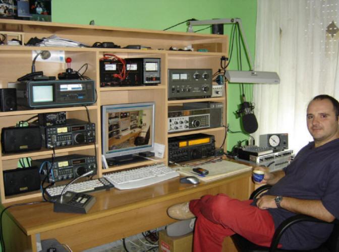 Cuartos de radio for Cuarto para las 7
